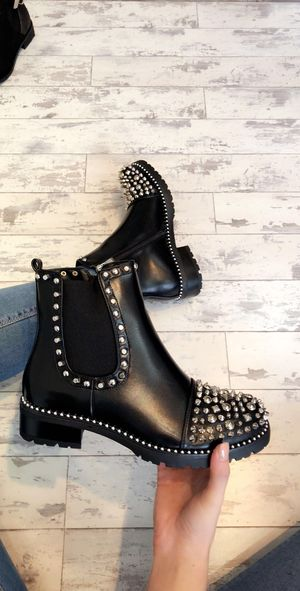 Lollypop studded toe boots black pu