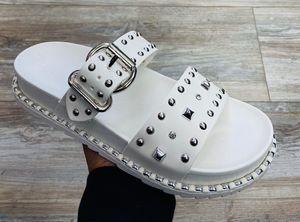 Goa sandals white