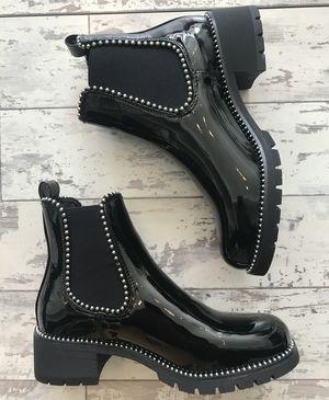 New desire  boots black
