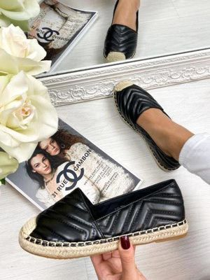 Chanel in inspired espadrille black
